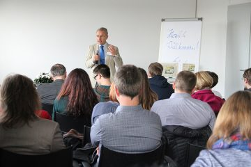 Ulrich Semle bei einem Vortrag